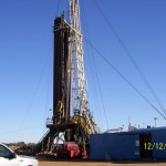 Derrick-with-drill-pipe-stacked-in-the-Rig-for-Logging-Operations